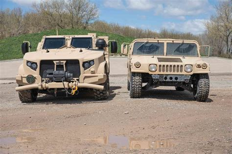 army humvee how the humvee compares to the new oshkosh jltv motor trend