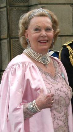 Marianne Pearl Do by Countess Madeleine Bernadotte Of Prince Carl