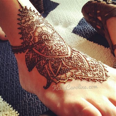 henna design on the top of the foot henna foot