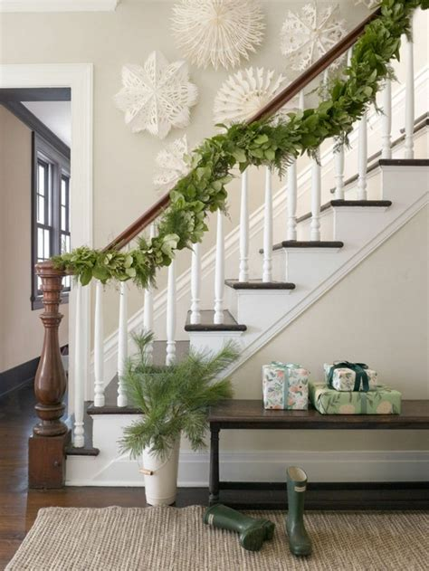 Banister Garland by Decorating Staircase Room Decorating Ideas