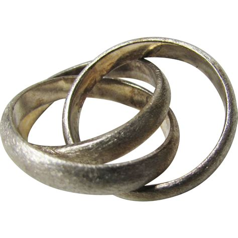 sterling silver trio of interlocking rings from