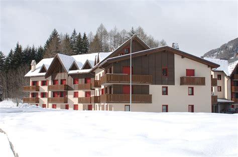 appartamenti in affitto ponte di legno affitto ponte di legno tavoli in legno grezzo
