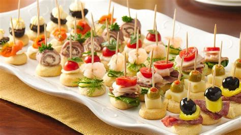 easy christmas appetizers finger foods mini apps recipe from pillsbury com