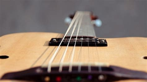 cara bermain gitar agar tangan tidak sakit merawat senar gitar agar tid artikel musik indie
