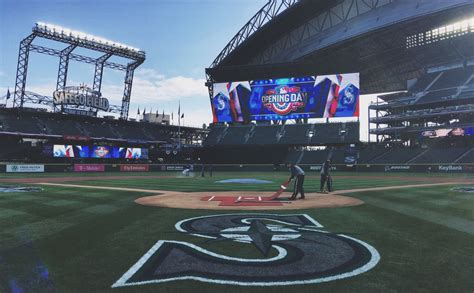 seattle celebrates the mariners home opener with style