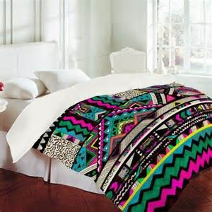 aztec bedding awesome neon aztec bedding kaitlin s room pinterest