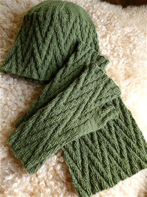 zig zag hat knitting pattern zig zag mitts hat and scarf knitting patterns anne hanson