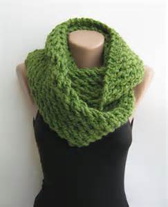 Chunky Knit Infinity Scarf Green Chunky Infinity Scarf Knitted Loop From Sascarves On