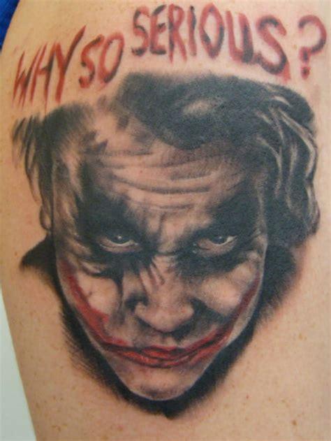 tattoo braccio uomo joker tatuaggi joker
