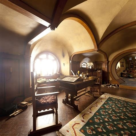 Hobbit Interior by Lotr Bag End Hobbit Interior Home Exteriors