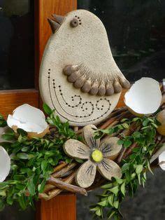 kronleuchter stehle gartendeko ideen aus stein keramik holz und metall