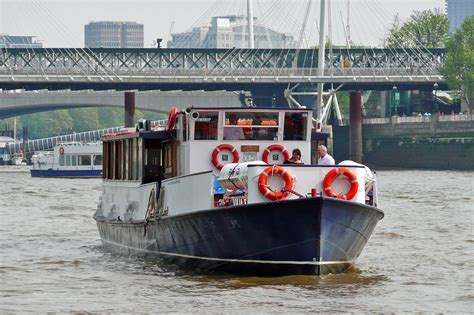 thames clipper hire kingwood river thames boat hire joseph mears king