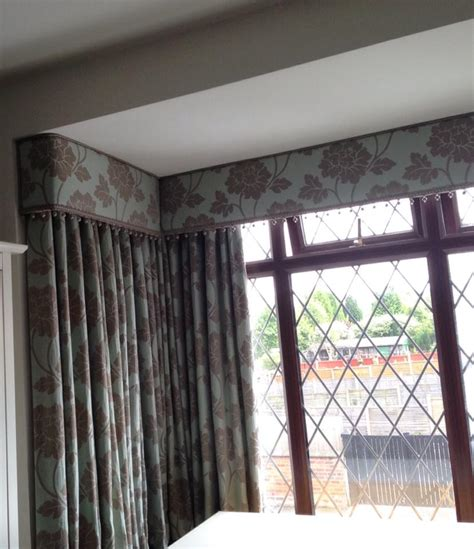 how to do curtains on a bay window curtain and pelmet in a square bay babic interiors