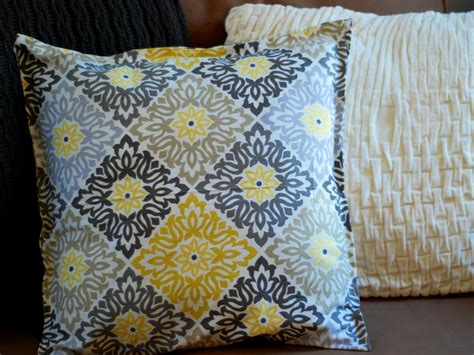 Sewing Pillow by Simple Sew And No Sew Pillows Cushions And Toys Diy Home Decor And Decorating Ideas Diy