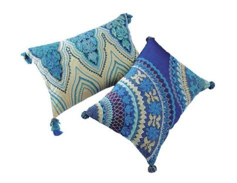 coussins bleus decoration coussins bleus style indien x2 maison du monde