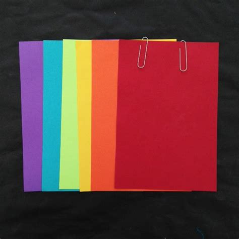 How To Make A Book Out Of Construction Paper - easy rainbow books carle museum