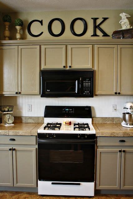 space between kitchen cabinets and ceiling 25 best soffit ideas on pinterest kitchen reno kitchen