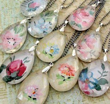 Easy Decoupage Ideas - diy a necklace 16 easy to decoupage projects