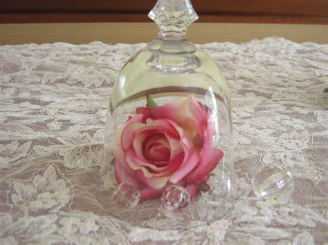 centrotavola con bicchieri fiori fiocchi e fantasia centrotavola con bicchieri e fiori