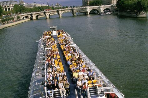 paris boat trip dinner best boat tours of paris cruises on the seine river