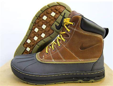 nike acg woodside boot tar brown