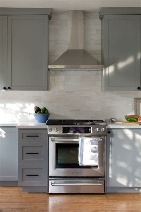 gray kitchen cabinets benjamin moore before after a cool and confident kitchen in la by