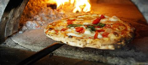 best pizza restaurants in rome what kinds of pizza can you eat in rome where to find the
