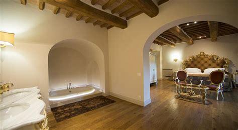 albergo idromassaggio in hotel di lusso in toscana camere e suite con minipiscina