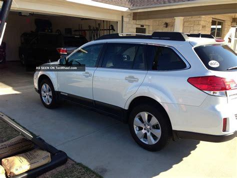 outback subaru 2011 2011 subaru outback 2 5i limited wagon