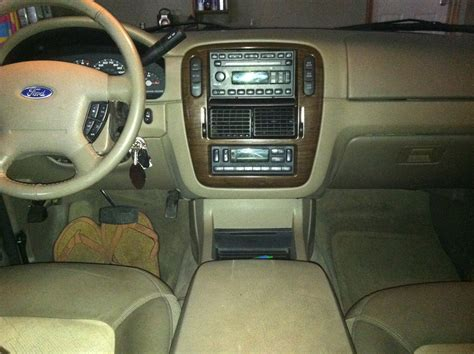 2005 Ford Explorer Interior by 2005 Ford Explorer Pictures Cargurus