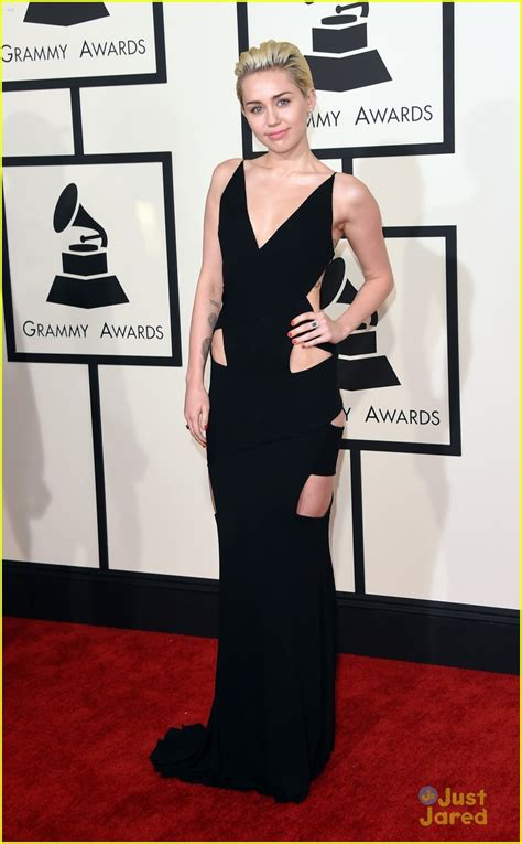 goes at the grammys miley cyrus goes sleek in black at the grammys 2015