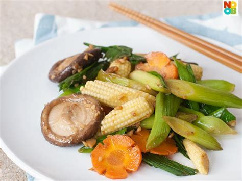 new year vegetable dishes easy recipe for stir fry leeks with vegetables in taucheo