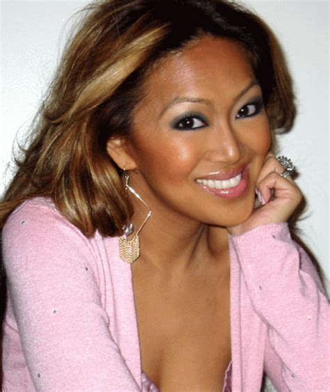 makeup artist does mom with birthmark s makeup video summer beauty with celebrity makeup artist mally roncal