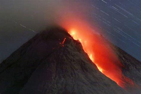 detik detik gunung agung meletus detik detik meletusnya gunung merapi tribunnews com