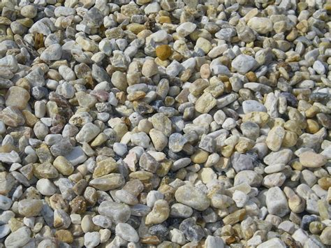 decorative landscape gravel with brown landscape stone