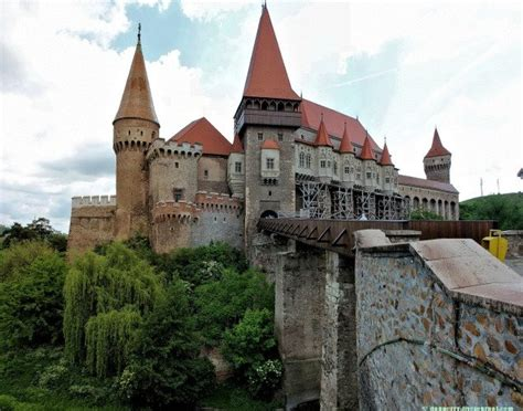 dracula castle romania 23 stunning and breathtaking places beautyharmonylife