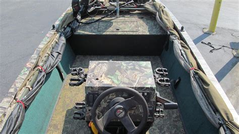 grizzly boats center console tracker 1654 grizzly camo duck center consoles used in