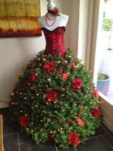 best way to dress a christmas tree get gordon ramsey s 5 best kitchen tips mannequin tree tree and holidays