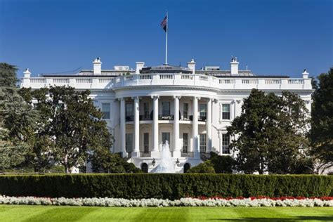 shots fired at the white house white house on lockdown after shots fired reported nearby ny daily news