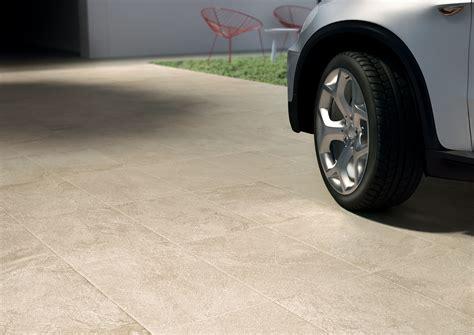 piastrelle carrabili pavimento esterno carrabile pavimenti in cemento per