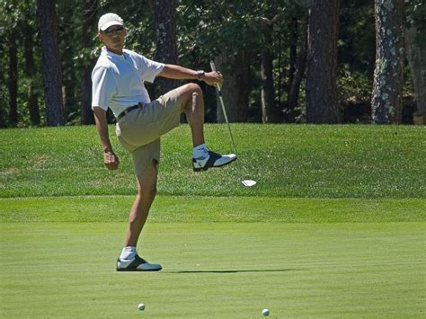 obama golf swing check out obama s multimillion dollar martha s vineyard
