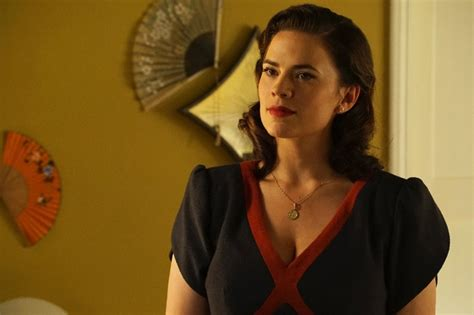agent carter hairstyle agent carter season 2 photos 1940s fashion inspiration