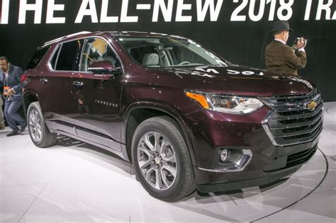 2018 chevrolet traverse review redesign photos release date