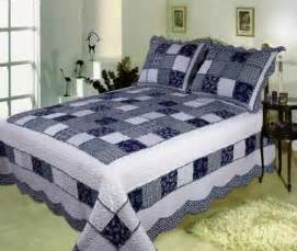 Blue King Size Quilts Buy Delft Blue Handmade Quilt With Refreshing Appeal King