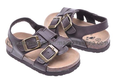 China Comfortable Leather Sandal Kids Borken Shoes