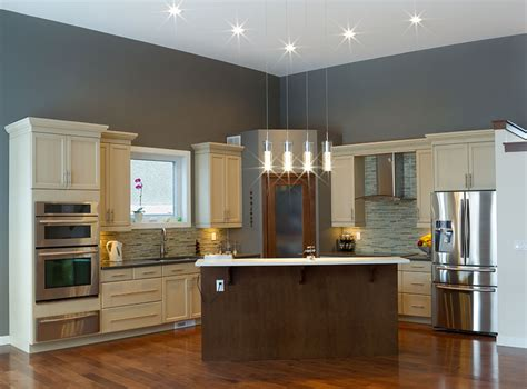 gray walls and white kitchen cabinets off white kitchen cabinets with gray walls trekkerboy
