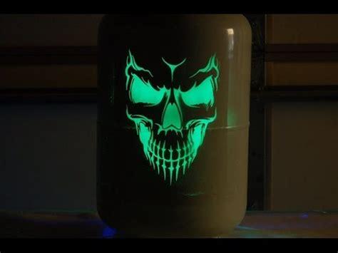 glow in the dark airbrush tattoo paint glow in the dark airbrushing toxic toad glow paint youtube