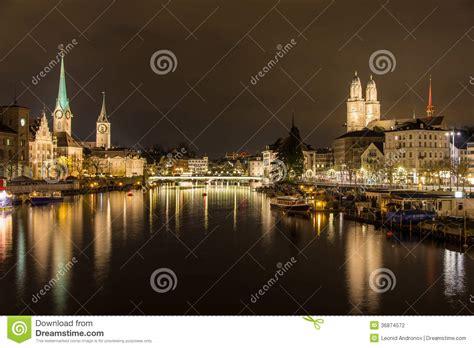 banche a zurigo zurigo sulle banche fiume di limmat alla sera di