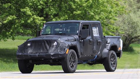 new jeep truck 2019 jeep scrambler pickup truck getting removable soft top
