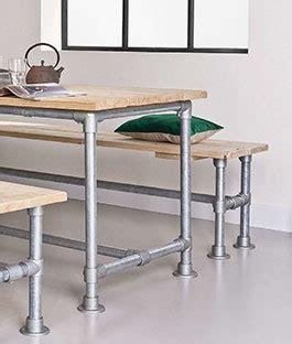 landelijke tafel zelf maken meubels maken met steigerbuizen karwei